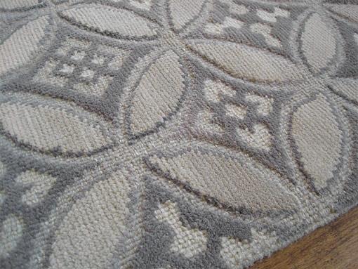 tosca_gray-close-up